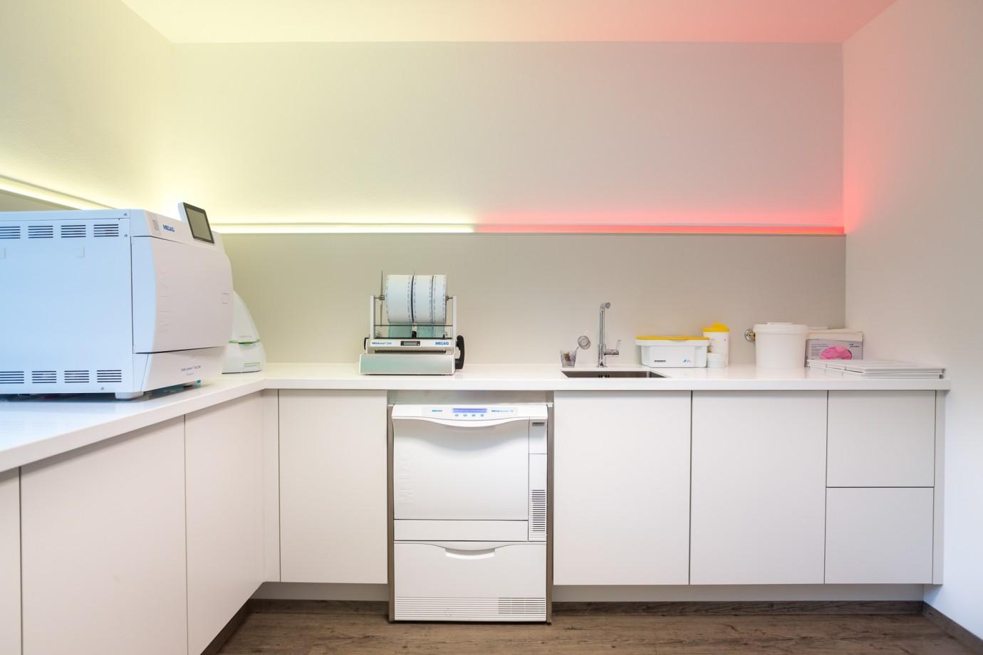 Instrumentenaufbereitung Zahnarztparxis Schäffer